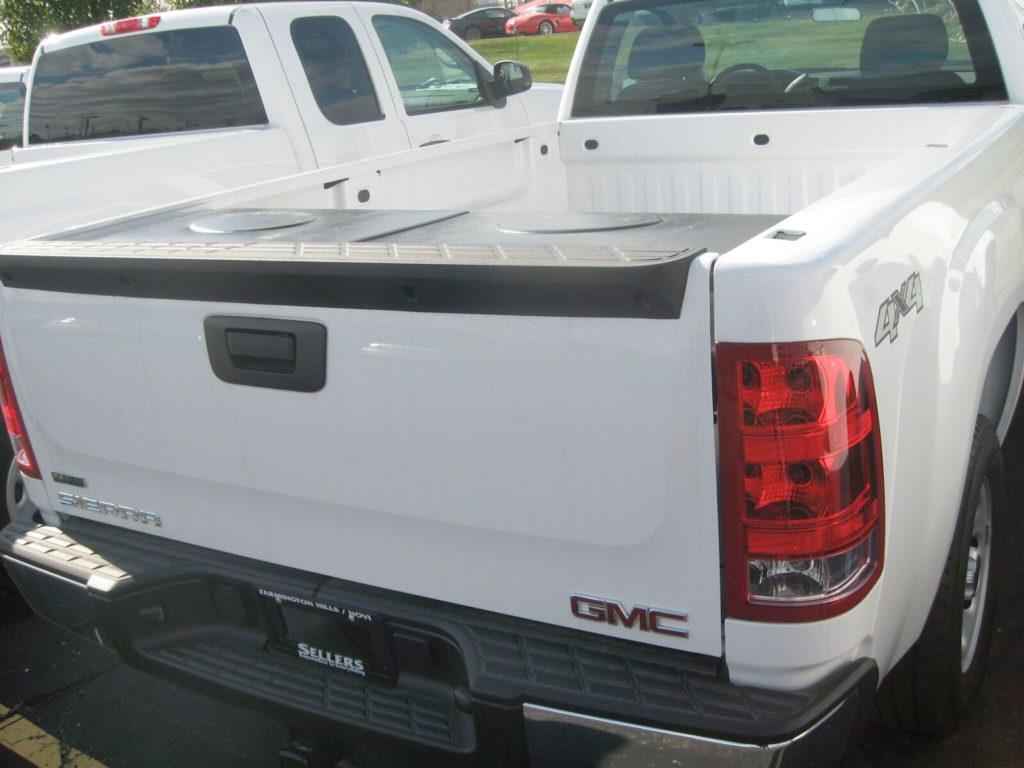 GMC truck pickup tuck